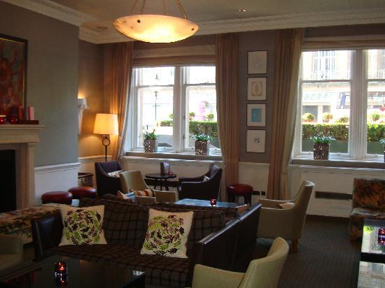โรงแรมเดอะบาลมอรัล: Lobby lounge