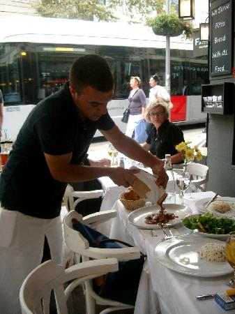 Faros Restaurant Old City : Servet serves the Test Kebab