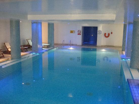 โรงแรมเดอะบาลมอรัล: Pool