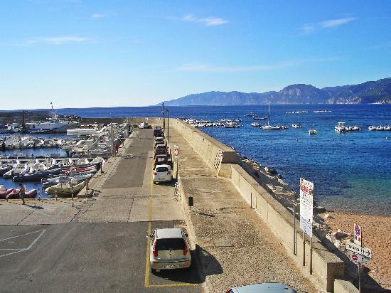 Hotel Nettuno: Cala Gonone port