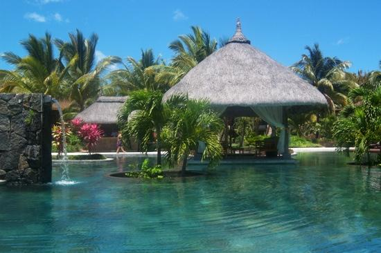 LUX* Le Morne: gorgeous pool!