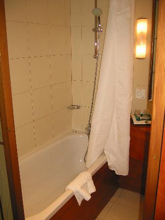 ฮอลิเดย์อินน์ปารีส บาสตีย์: salle de bains