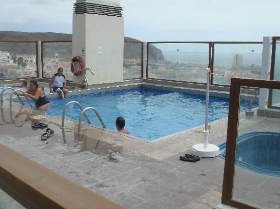 Paradise Park Fun Lifestyle Hotel: Open air adults only pool