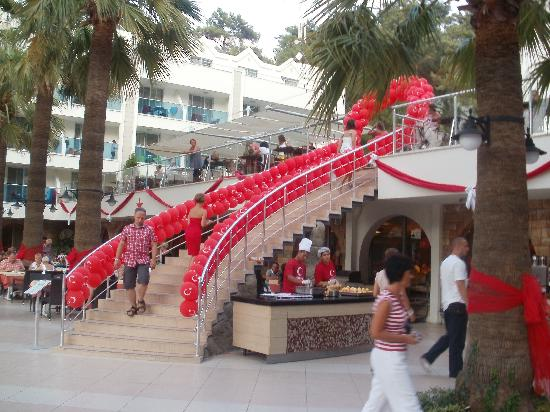 Turunc Resort: Decorated for Turkish celebrations