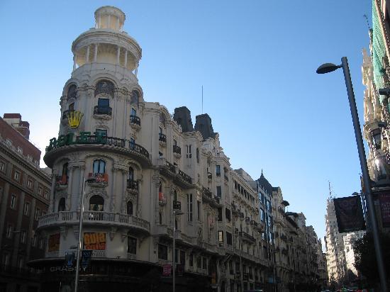 มาดริด, สเปน: gran via - sunny day always