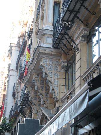 มาดริด, สเปน: gran via - balconies