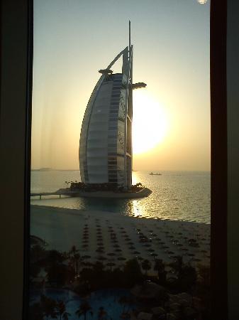 โรงแรมจูไมราห์บีช: From our window 11th Floor