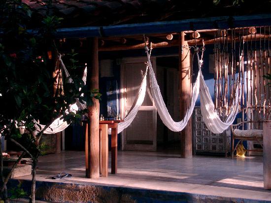 Hotel Playa Manglares Isla Baru: Spacious porch