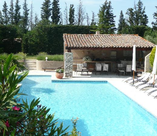 pool house picture of le lantana taillades tripadvisor. Black Bedroom Furniture Sets. Home Design Ideas