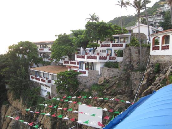 El Mirador Acapulco Hotel: Rooms overlooking cliffs