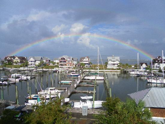 Marsh Harbour Inn: Rainbow over Bald Head Island