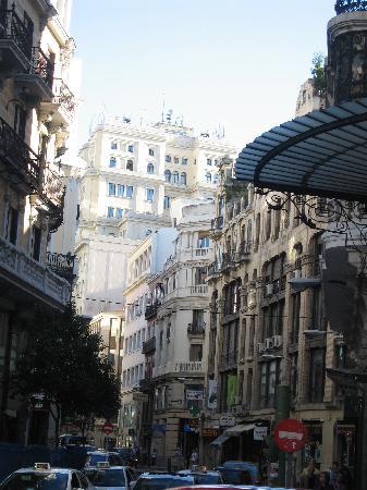 มาดริด, สเปน: gran via - one corner