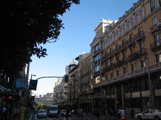 มาดริด, สเปน: gran via - beautifull avenue