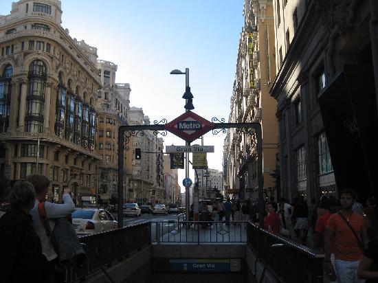 มาดริด, สเปน: gran via  - metro