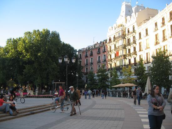 มาดริด, สเปน: plaza de oriente, close to the theatre