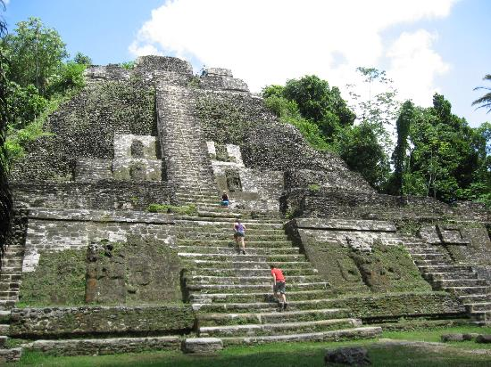 Belize Cruise Excursions: Temple we were allowed to climb