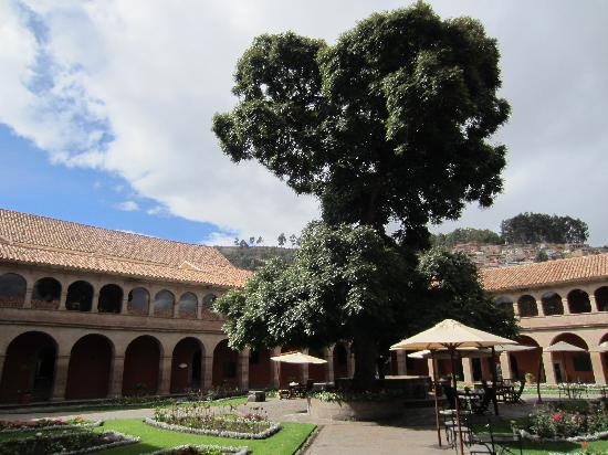 Belmond Hotel Monasterio: Courtyard