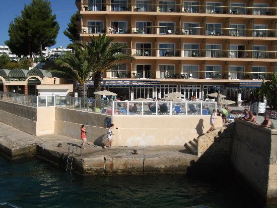 SENTIDO Cala Vinas: view from boat