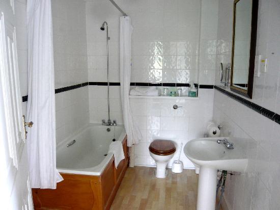 Kitley House Hotel: bathroom