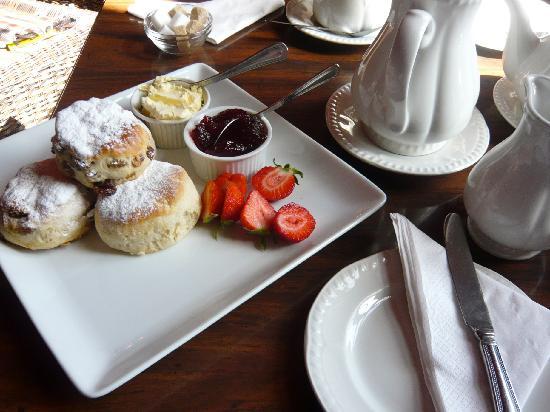 Kitley House Hotel: cream tea