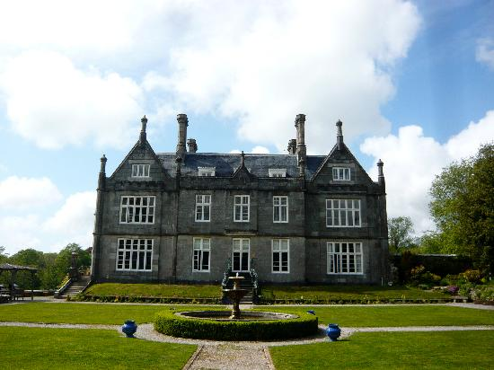Kitley House Hotel: Such a grand house