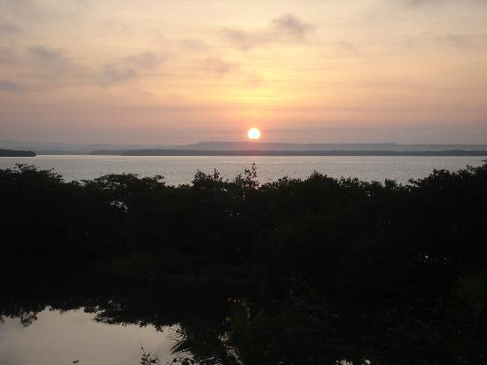Hotel Playa Manglares Isla Baru: View of Barbacoa bay