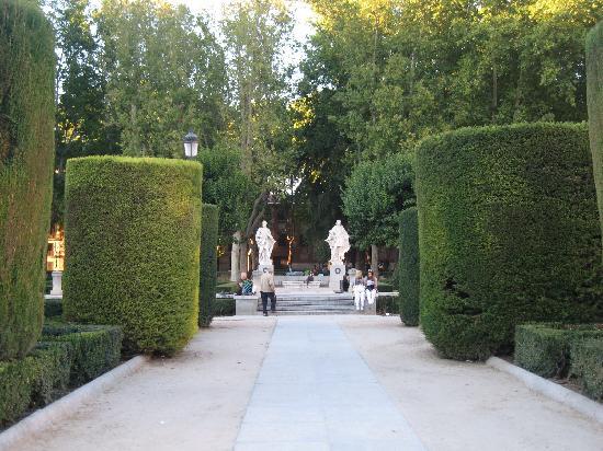 มาดริด, สเปน: nice gardens in oriente square