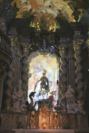 Klosterschenke Weltenburg: Altar der Klosterkirche