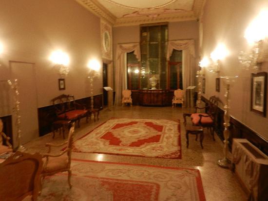 """โรงแรมซากรีโด: Part of the restored """"common area"""""""