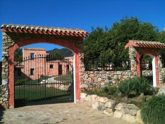 La Corte Rosada: Gate