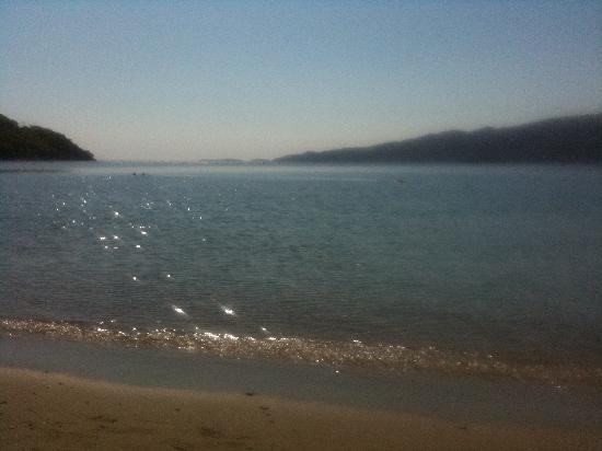 New Aegli Resort Hotel: The beach (30 secs from New Aegli Hotel)
