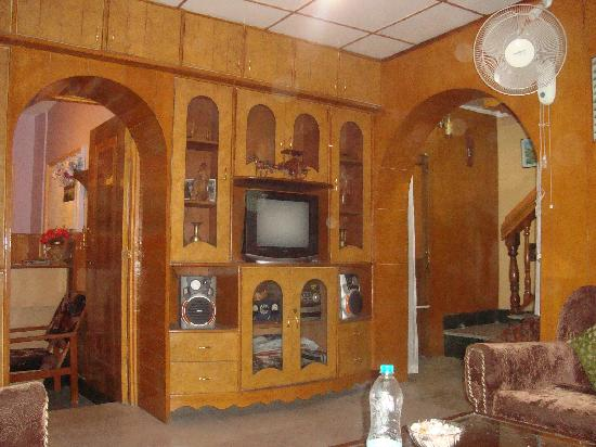 Hotel JH Bazaz (Happy Cottage): Lobby