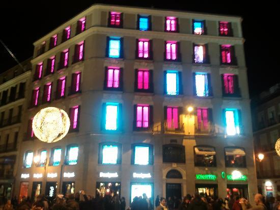 มาดริด, สเปน: plaza del callao - callao square at night