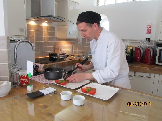 Belle Tout Lighthouse: Ian at work in the kitchen
