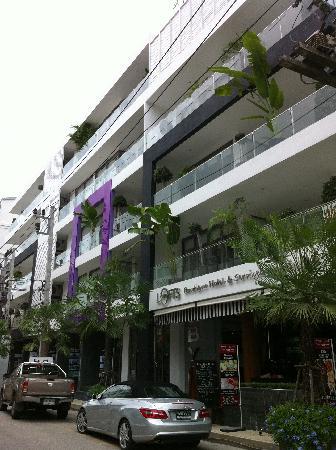 โรงแรมบีวายดี ลอฟท์ บูทีค แอนด์ เซอวิสอพาร์ตเมนท์: Hotel exterior