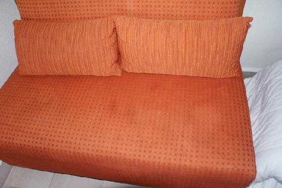 Buenaventura Grand Hotel & Great Moments All Inclusive: stained sofa in room