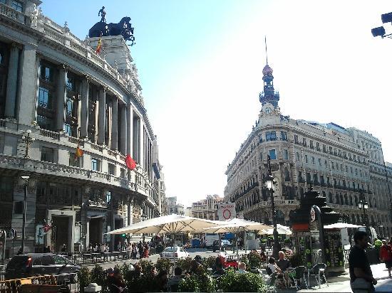มาดริด, สเปน: wonderful buildings in the center -  old banks close puerta del sol
