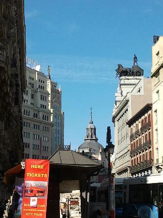 มาดริด, สเปน: a view of alcala streer from canalejas square