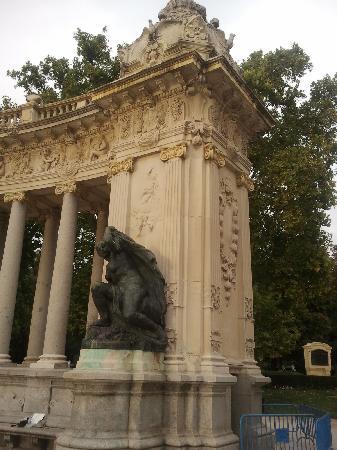 มาดริด, สเปน: retiro park monuments