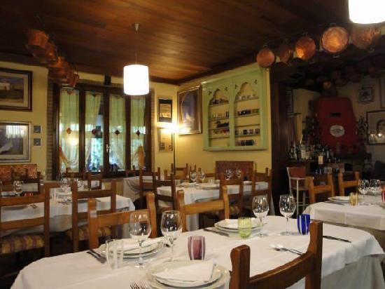 Trattoria Laguna: inside the restaurant