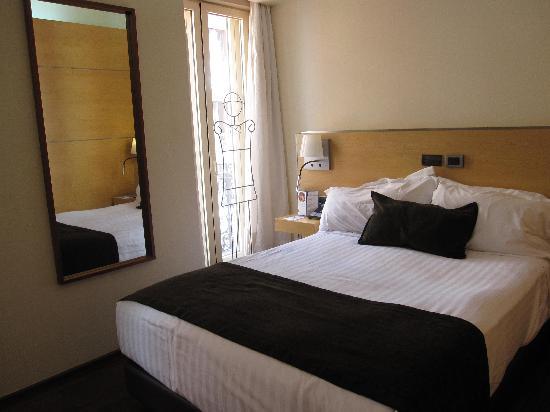โรงแรมเพรเซียโดส: Queen bed bedroom