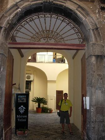 Palazzo Montefusco Sorrento: The Entrance
