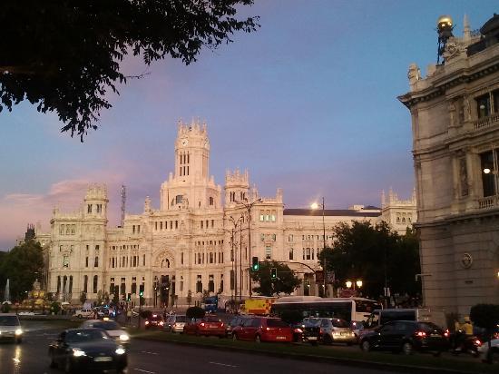 มาดริด, สเปน: city hall of madrid, sunset and nice light