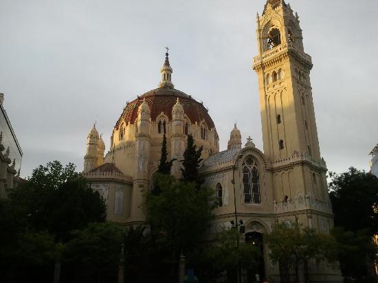 มาดริด, สเปน: san benito church - madrid