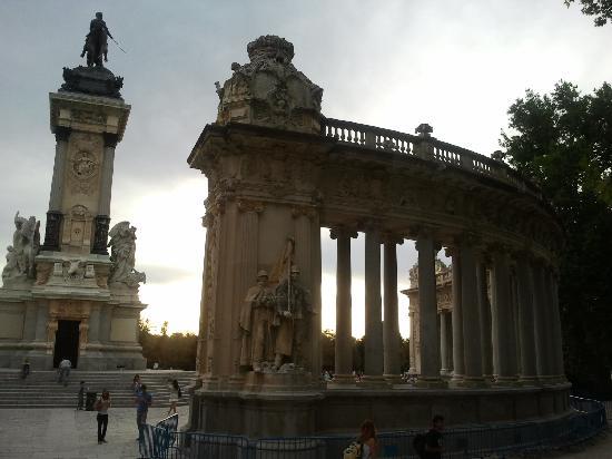 มาดริด, สเปน: retiro park - monument