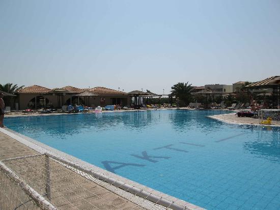Akti Beach Club Hotel: Main pool area