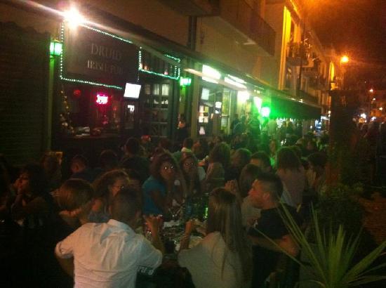 nIrish Pub: esterno