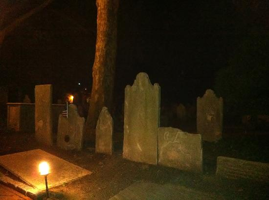 Spirits of '76 Ghost Tour of Philadelphia: The Cemetary at the Holy Trinity Church
