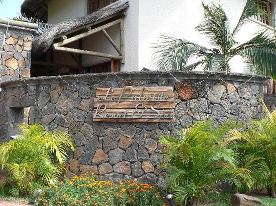 Le Palmiste Resort & Spa: entrée hotel 2