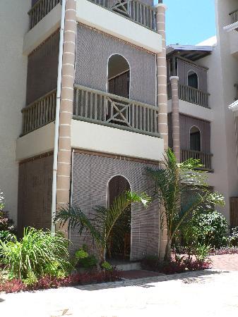 Le Palmiste Resort & Spa: pare soleil pour les chambres